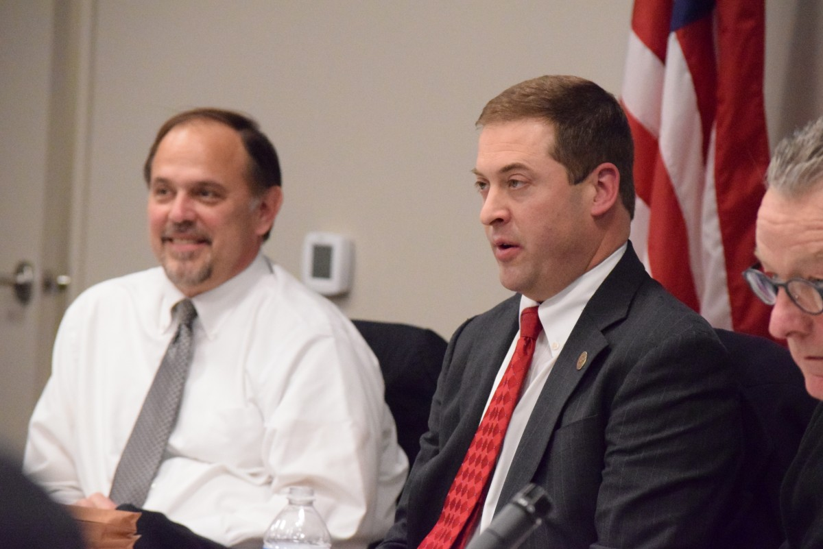 Planning Commission Vice Chairman Robert Klancher and Chairman Jeff Dulles conduct the Commission's first meeting of 2016.